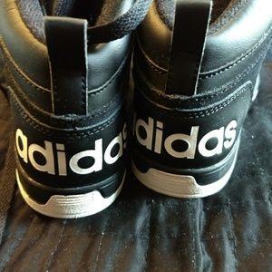 Boys Black hightop adidas size 6